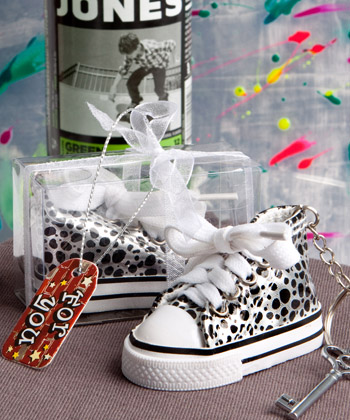 Oh-so-cute animal print baby sneaker key chain