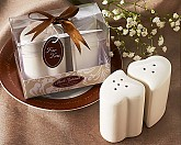 """""""Hearts Entwined"""" Salt & Pepper Shakers"""