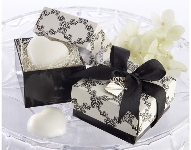 �Sweet Heart� Heart-Shaped Scented Soap with Charm Favor